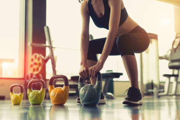 deadlift kettlebell